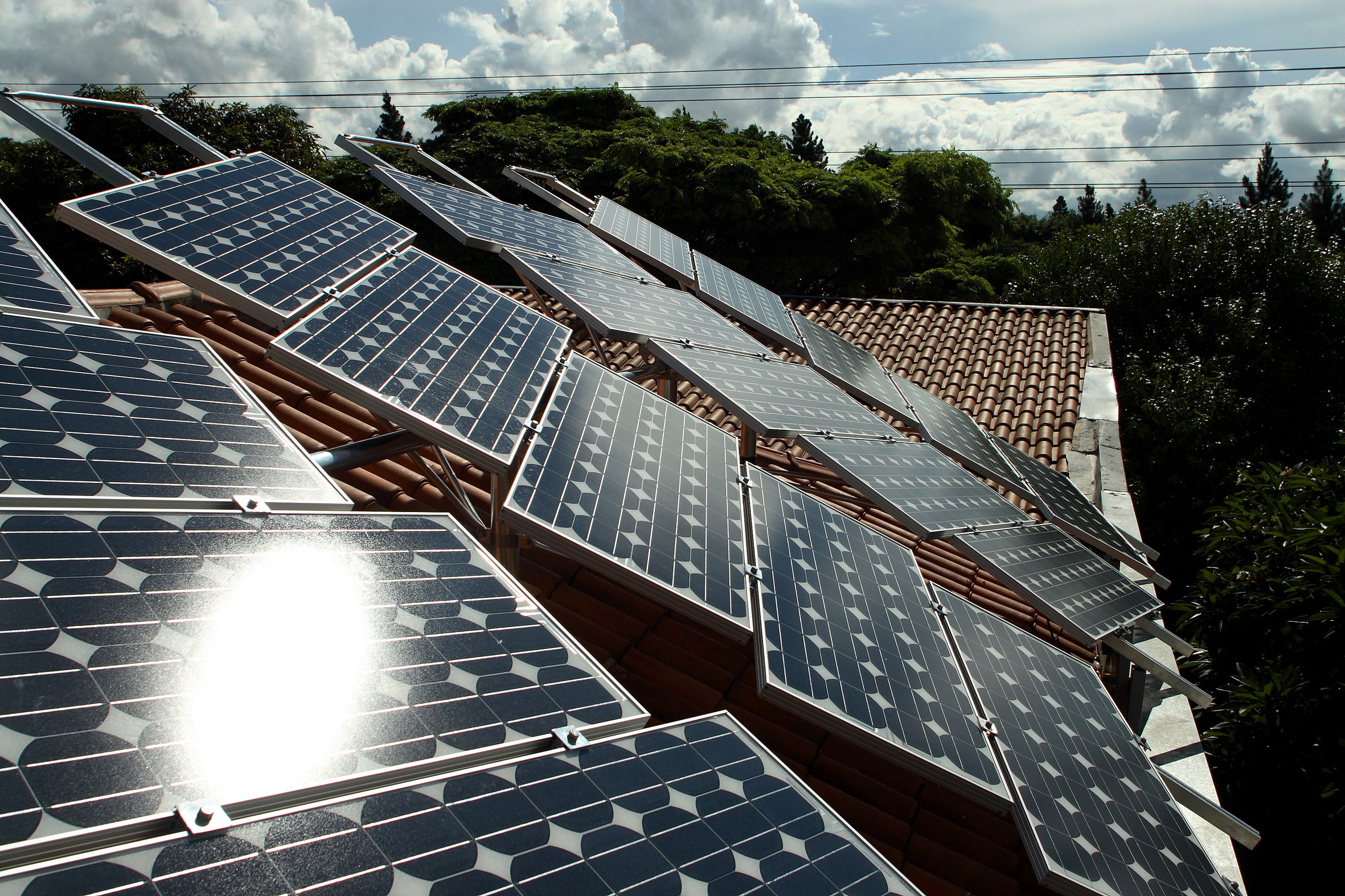 Solar Power for Greenpeace Office (Brazil: 2007)